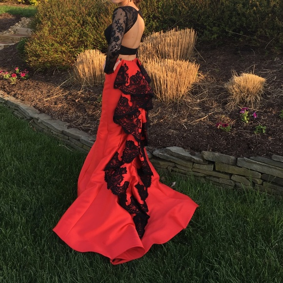 b5529ece4c877 Sherri Hill prom dress-style 51169. M_5c6eb7823e0caa03fb016ae6
